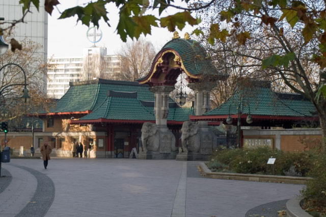 Berlin_Zoo_Eingang_Budapester_Strasse_2
